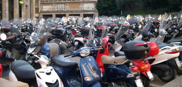 Scooter-a-Genova.jpg