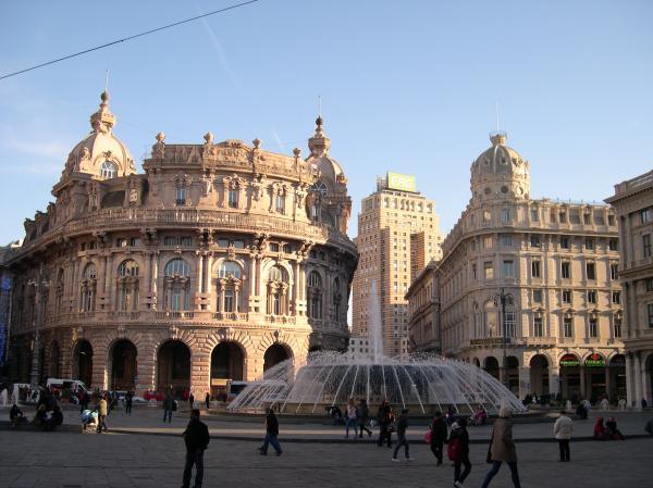 Genova---Piazza-De-ferrari.jpg